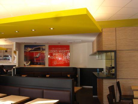 markenarchitektur pizza hut karlsruhe w40 architekten wiesbaden. Black Bedroom Furniture Sets. Home Design Ideas