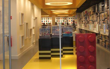 markenarchitektur lego store hamburg w40 architekten wiesbaden. Black Bedroom Furniture Sets. Home Design Ideas