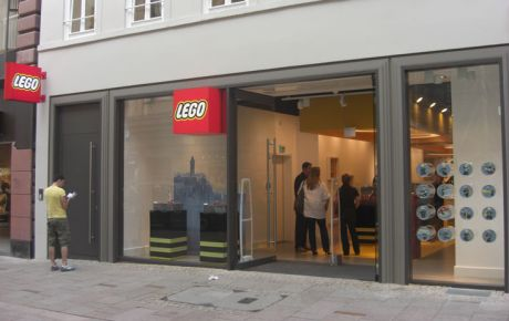 markenarchitektur lego store hamburg w40 architekten wiesbaden. Black Bedroom Furniture Sets. Home Design Ideas
