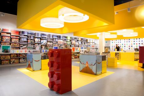 Interior construction lego stores w40 interiors gmbh for Lago store outlet