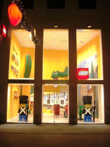 Lego kopenhagen w40 interiors gmbh wiesbaden for Lago store outlet