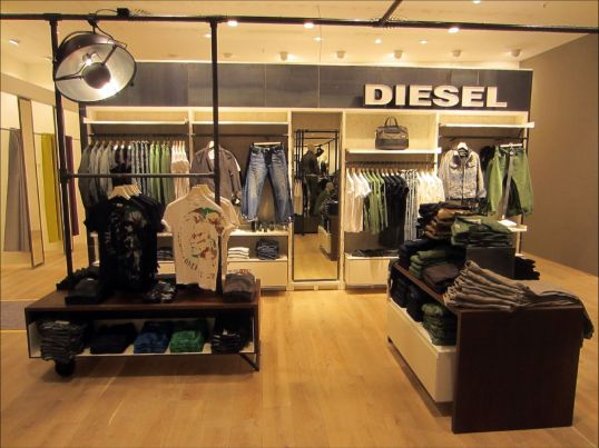 shopfitting diesel peek cloppenburg oberhausen w40 interiors gmbh germany. Black Bedroom Furniture Sets. Home Design Ideas